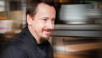 Québec Exquis Chef Tournebroche Stéphane Roth par Bernard Dagenais photographe tuile